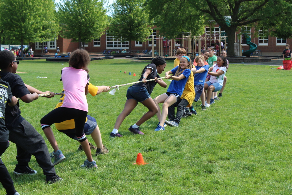 Students at Western Avenue field day